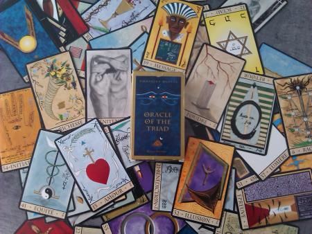 Carte Oracle De La Triade.Histoire De L Oracle De La Triade Esteban Frederic