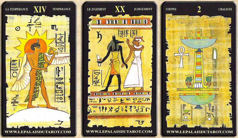 le tarot egyptien avec papyrus