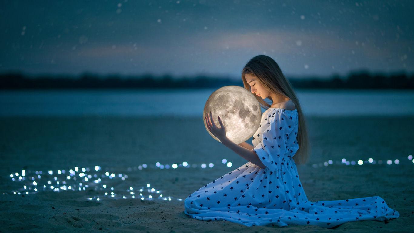 femme avec lune