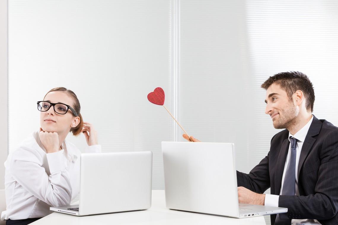 voyance amour travail